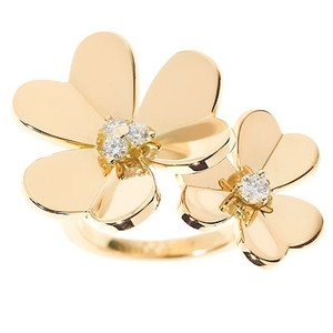 Van Cleef & Arpels Van Cleef & Arpels Flowers Between the finger ring YG Size: 49 UK 5