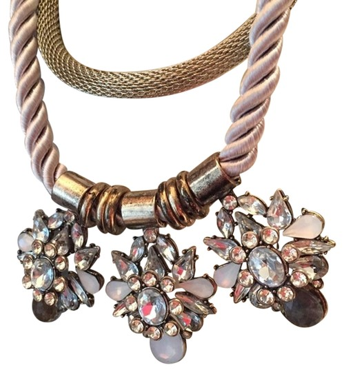 Preload https://img-static.tradesy.com/item/20095512/silver-vintage-style-metallic-and-stones-necklace-0-1-540-540.jpg