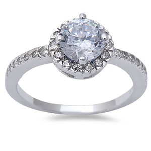 9.2.5 Stunning white topaz halo cocktail ring size 6