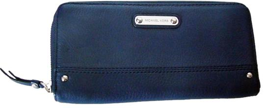 Preload https://img-static.tradesy.com/item/20096031/michael-kors-blue-new-austin-leather-zip-around-wallet-0-1-540-540.jpg