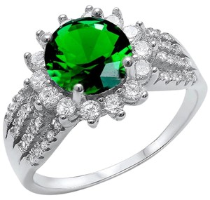 9.2.5 Stunning green emerald and white sapphire flower cocktail ring size 9