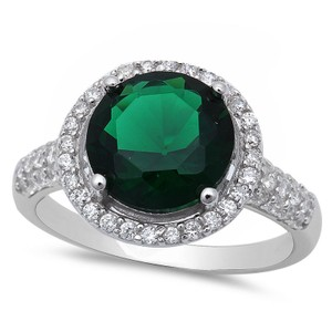 9.2.5 Gorgeous green emerald and white sapphire halo cocktail ring size 7