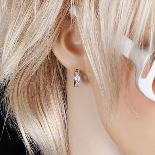 Other Small Hoop Huggie Earrings Silver Tone Princess Cut White CZ Gift BOX Image 1
