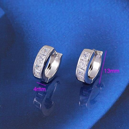 Other Small Hoop Huggie Earrings Silver Tone Princess Cut White CZ Gift BOX Image 2