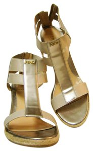 Fendi Patent Leather Size 39 Beige Wedges