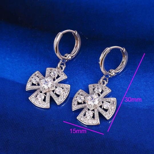 Other Clover Pendant Silver Rhodium Drop CZ Earrings Image 3