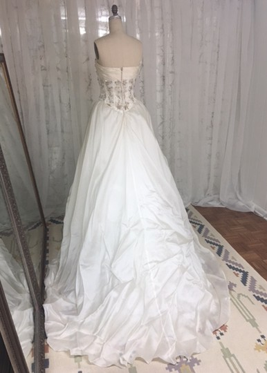 Stephen Yearick Offwhite Multi White Organza Tulle 2483 3d Ballgown Beaded Bodice Strapless Sweetheart Traditional Wedding Dress Size 6 (S) Image 8