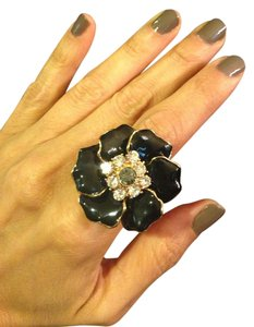 Bella Jack Stunning black & white stone ring