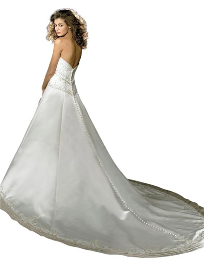 Allure Bridals Ivory Cafe Silver Satin 2029 Full Aline Strapless Traditional Wedding Dress Size 8 (M) Image 7