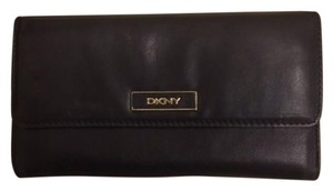 DKNY DKNY Leather Wallet