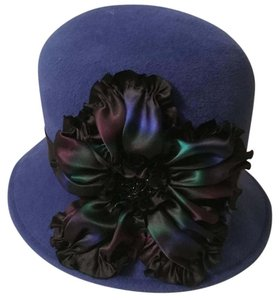 louise green Louise green beautiful hat with flower