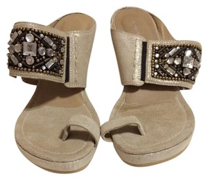 Donald J. Pliner light tan with beads Wedges