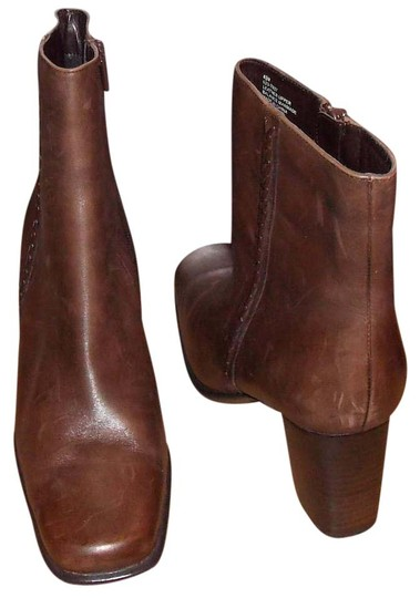 Preload https://img-static.tradesy.com/item/20100792/saint-john-s-bay-active-leather-bootsbooties-size-us-65-regular-m-b-0-1-540-540.jpg