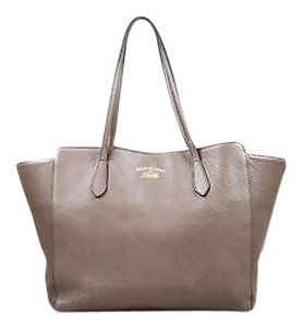 Gucci Pink Leather Swing Tote in Taupe