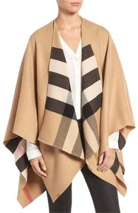 Burberry Wool Casual Cape