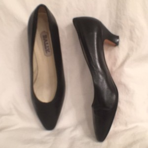 Bally Vintage Leather Classic Black Pumps