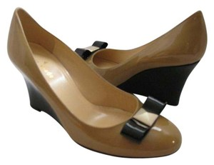 Kate Spade camel/ black Pumps
