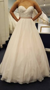 Essense Of Australia Essense Of Australia D1702 Wedding Dress