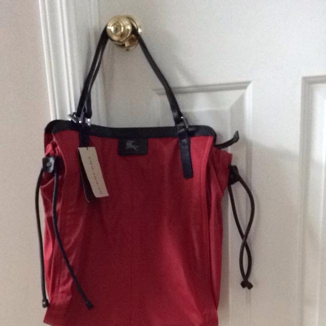Item - Buckle Igh Red with Black Straps Nylon Weekend/Travel Bag