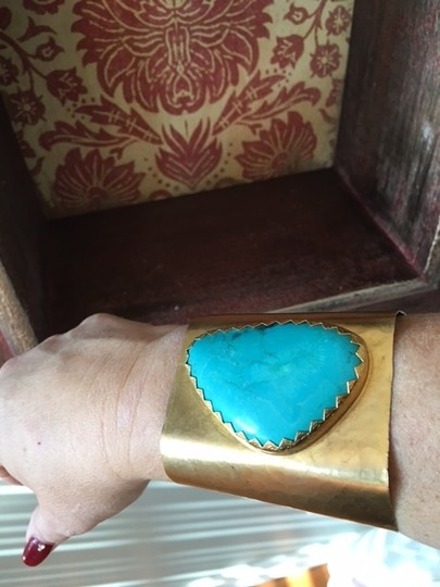 Soft Surroundings Ladies Turquoise Gold Braclet