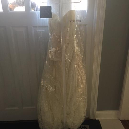 Vera Wang Ivory Lace New Never Worn 11019clace Traditional Wedding Dress Size 10 (M)