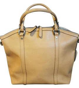 Gucci Shoulder Tote in Whiskey Brown