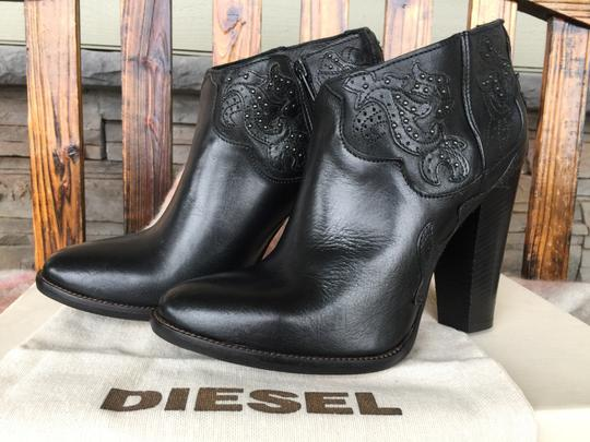 Diesel Tex Guadalupy 8.5 Scrolling On Black Boots