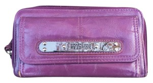 Kenneth Cole Reaction Authn. Kenneth Cole Reaction Purple Wallet