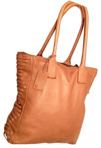 Linea Pelle Tote in Tan