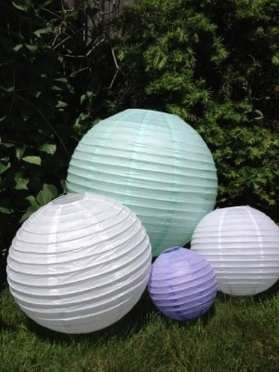 Preload https://item1.tradesy.com/images/white-purple-and-sea-green-50-assorted-paper-lanterns-with-lights-reception-decoration-201065-0-0.jpg?width=440&height=440