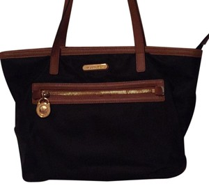 Michael Kors Tote in Black and Tan