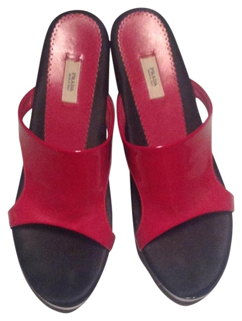 Item - Red and Black Wedges Size US 8.5 Regular (M, B)