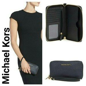 Michael Kors Saffiano Leather Black Wallet Wristlet in admiral/black