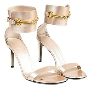 Gucci Metallic Grained Silver Sandals