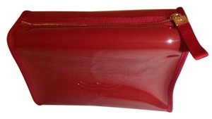 New cosmetic bag from Gucci parfums