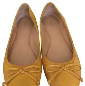 Banana Republic Mustard yellow Flats
