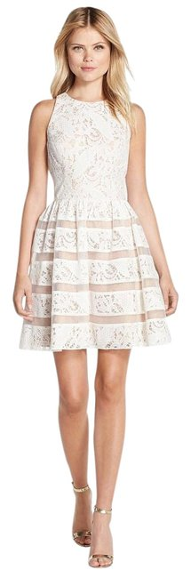 Item - Ivory Nude Lace Fit & Flare Above Knee Cocktail Dress Size 0 (XS)