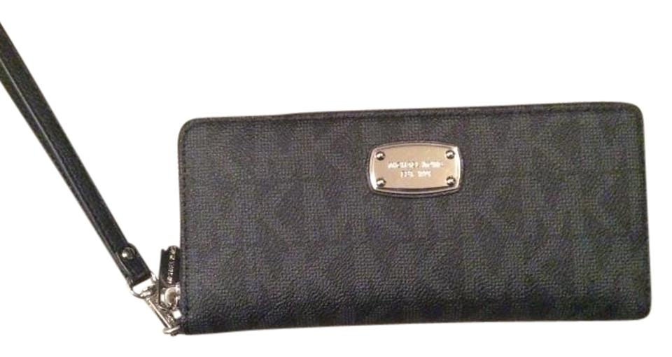 258e54729227 MICHAEL Michael Kors Silver Hardware Set Item Wallet Wristlet in Black  Image 0 ...