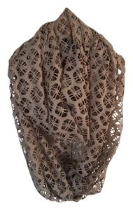 Crochet Lace Floral Pattern Infinity Scarf