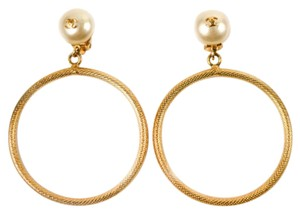 Chanel PEARL HOOP EARRINGS - CC VINTAGE GOLD CLIP ON LOGO 97P EAR RINGS