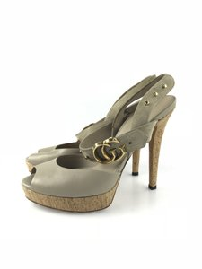 Gucci Peep Toe Platforms Nude/Taupe Sandals