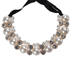 Pearl and rhinestone necklace Pearl Rhinestones Chunky Bib choker collar statement necklace