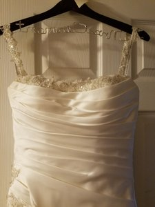 Essense of Australia Ivory Satin D985 Feminine Wedding Dress Size 8 (M)