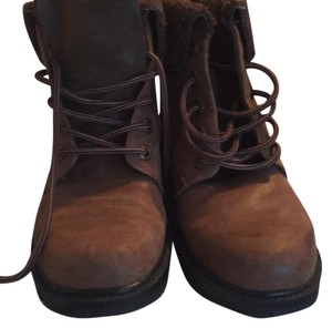 Earth Brown Boots