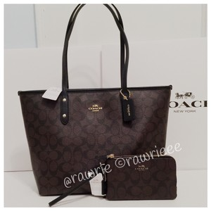 Coach Set Wallet Set Tote in brown