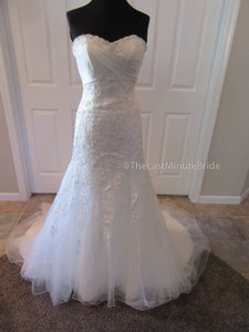 House of Wu Ivory/Silver Lace Diana Private Collection 18868 Feminine Wedding Dress Size 4 (S)