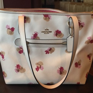 Coach Tote in White Floral