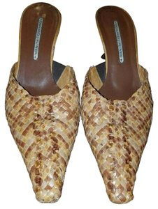 Donald J. Pliner Brown Mules
