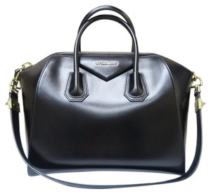 Givenchy Large Antigona Satchel in black