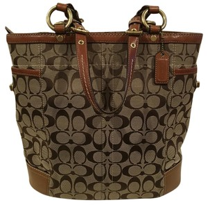 Coach Tote in Khaki/Brown/Tan